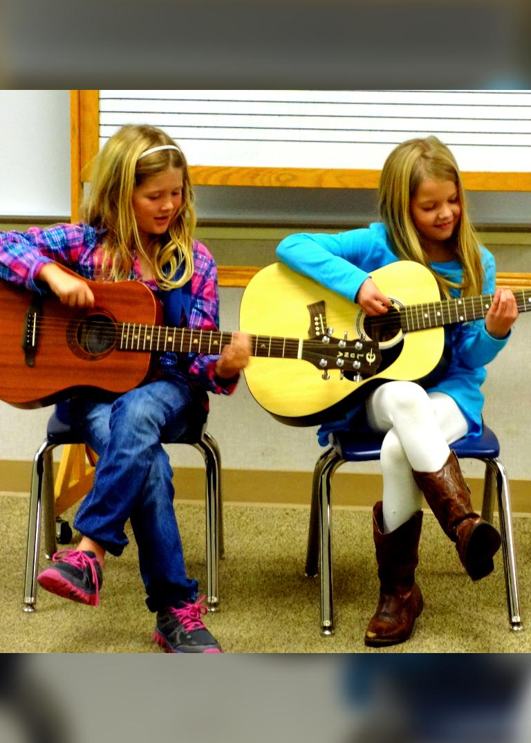 guitar-girls-2